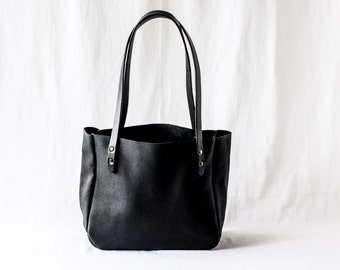 SMALL TOTE Onyx Black • Oil Tanned Leather Purse