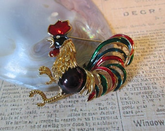 """Large Vintage ROOSTER pin/brooch (bird chicken) vibrant colors*goldtone*1-3/4"""" across* 9952"""