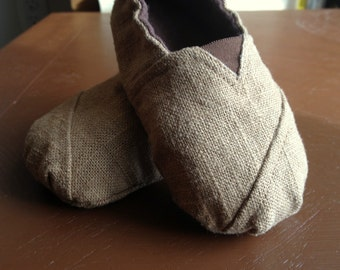 Burlap Baby Shoes with Brown Flannel Lining