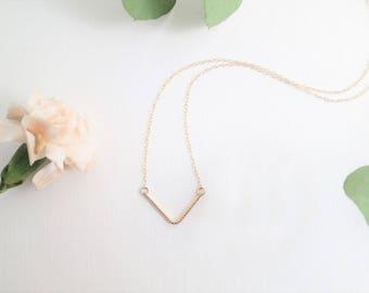 Gold Tiny Grooves V Necklace | 14K Gold Filled