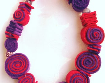 Red and Violet Felt and Lampwork Glass Beads Necklace, Nickel free