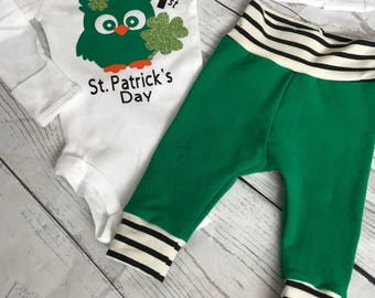 Baby's 1st St. Patrick's Day Outfit Owl glitter clover