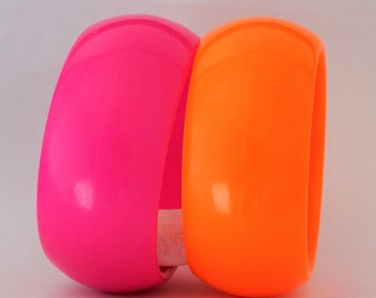 COLORFUL BANGLES, retro, 80s bangles, almost fluorescent, 80s party time, orange and pink big bangles, chunky retro 80s bangles