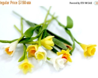 12 Miniature Polymer Clay Flowers Daffodil with Leaves, dollhouse scale