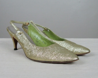 CLEARANCE // Vintage Early 1960s Metallic Gold Lame Shoes 60s Pointy Slingback Pumps by Mr. Easton Size 6.5 B