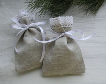 Lace favor bags 25. Small gift bags. Natural linen bags. Party supplies. 3x5 fabric bags. Burlap mini bags