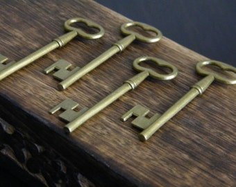 Woolf - 26 Antique Bronze Brass Skeleton Key Large Vintage Keys Wholesale Keys Bulk Key Charms