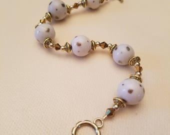 Gold and White Shimmer Beaded Bracelet