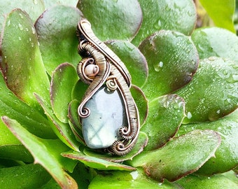 Labradorite, pearl and peridot amulet