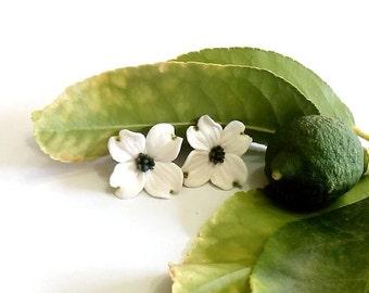 Dogwood Stud earrings - white wedding decorations, studs flower earrings, jewelry bride white, white flower