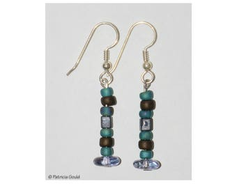 EA39 - Earrings -  glass beads and sterling wires - one of a kind by Patricia Gould
