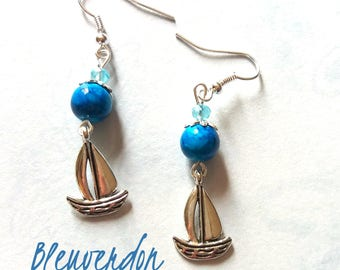 Sailboats and blue beads earrings