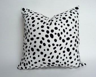 dalmatian print pillow case // spotted cushion cushion cover // black and white spotted pillow cover // black and white pillow cover