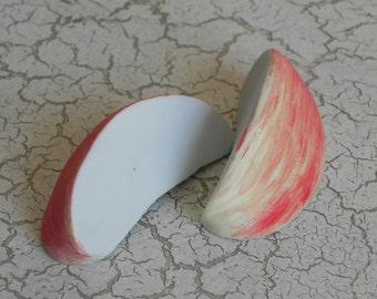 realistic porcelain apple slices