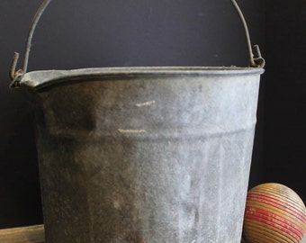 Vintage Galvanized Bucket With Handle // Old Rustic Farm House Pail // Primitive Aged patina