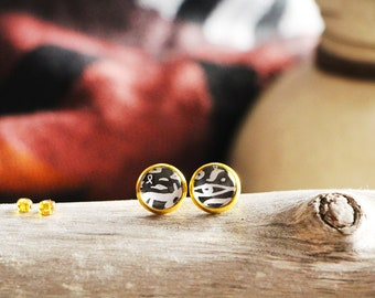 Stud earrings hieroglyphics, black, gold base 10 mm, inspiration ancient egypt, Women