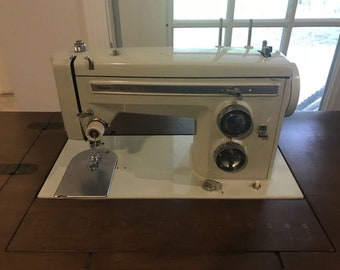 Sears Kenmore Sewing Machine Model 158.14000 - Lots of Accessories Machine Only