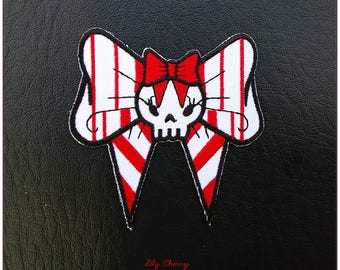 Embroidered patch fusible skull skull skull pinup bow red and white x 1