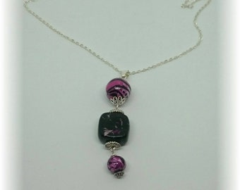 Black compositions and fuchsia - dangling Pearl Necklace