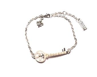 Silver key bracelet Lily beads