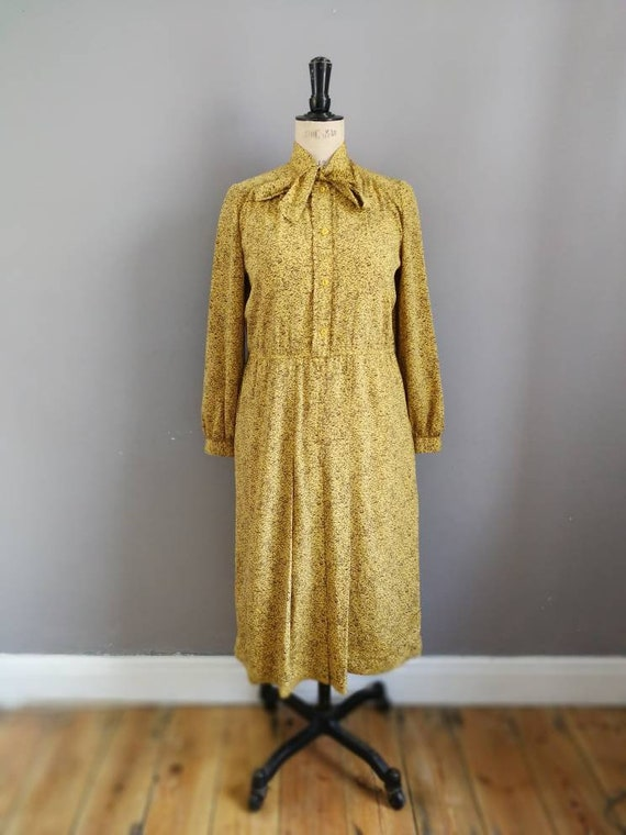 Silky mustard shirt dress / vintage yellow pussy bow dress / 80s work dress / silky long sleeve midi dress / UK 12