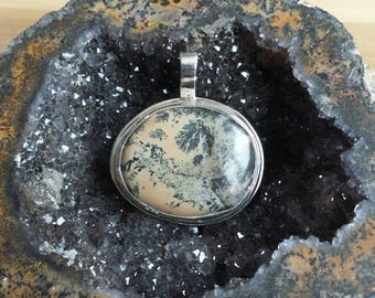 dendritic agate pendent