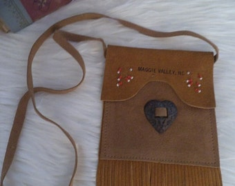 Vintage Leather Souvenier shoulder Bag ~ Money Pouch ~ Maggie Valley N C ~ Mountains ~ Western Indian ~ Leather fringe Beaded