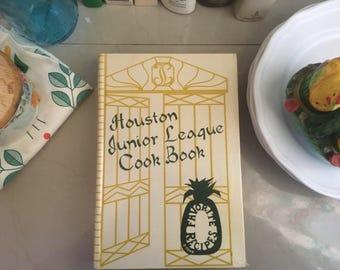 Houston Junior League Cookbook by The Junior League of Houston, 1987 / Vintage Recipes / Vintage Cookbooks / Texas Food / Southern Cuisine