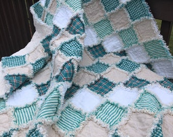 Handmade Throws. Handmade quilts. Rag quilts rustic. Rag quilt throws. Patchwork quilts. Country quilts. Cabin quilts. Rag quilt throws.