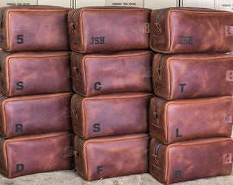 Groomsmen Gift, Leather Toiletry Bag with Monogram, Personalized Toiletry Bag, Mens Toiletry Bag, Leather Custom Dopp Kit, Dopp Kit Bag,