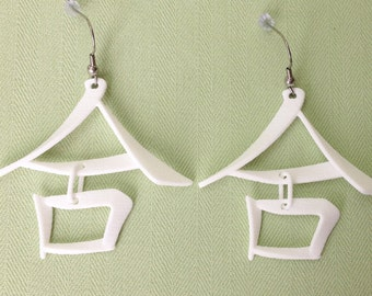 COLLABORATION/He - 3D Printed Chinese character earrings