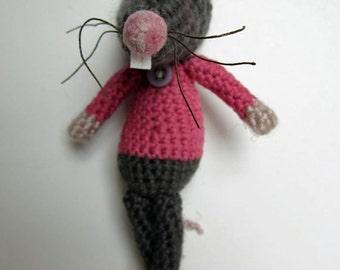 Crochet Pattern for Rosalie Rat