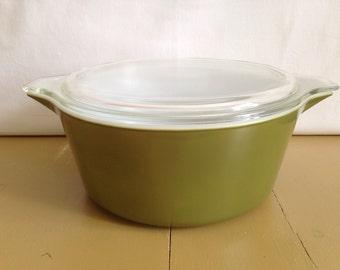 Vintage Pyrex Verde #475 casserole dish, avacado green oyrex, Pyrex Verde, green pyrex dish, apple green Pyrex