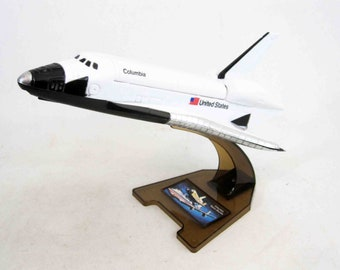 Vintage Columbia Space Shuttle Solid State Radio AM. Circa 1980 ' s.