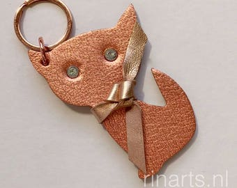 Cat bag charm / cat keychain in rose gold metallic goatskin.  A perfect gift for cat lovers. Gift under 25