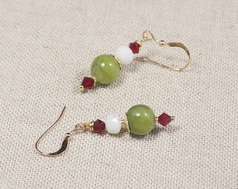 Ethnic earrings in jade and Red swarovski crystal in gold filled 14 K, ethnic earrings in 14 K Gold-filled and jade