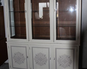 Gorgeous Cream/Taupe accented China Cabinet