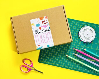 DUTCH Elle Aime Tekent box - MARCH - Tiny Paper Animals | subscription box, illustration, surprise box, creative gift, art supplies, learn