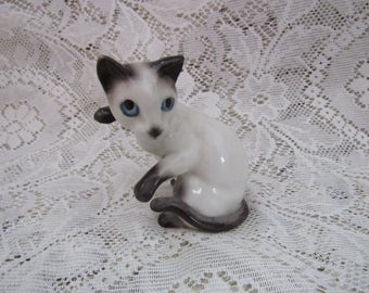 Vintage Siamese Cat Figurine, Made in Japan