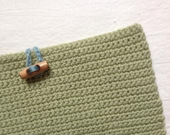 Ipad case in green wool