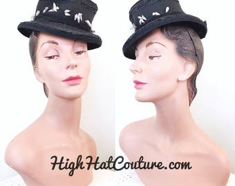 Vintage 1940s Hat / 40s Tilt hat / Topper / straw / seashells