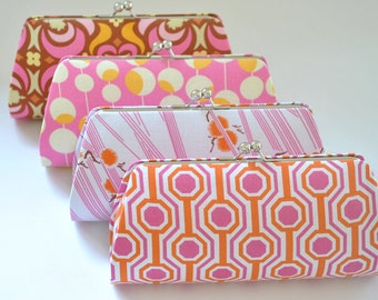 A SET of 8 Bridesmaids Clutch -  Create a Custom Bridesmaid Clutches in your choice of fabrics