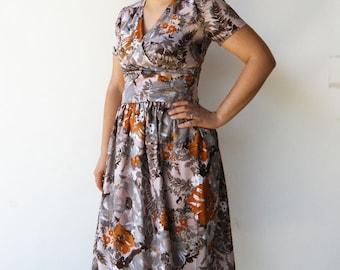 Vintage Fall Flowers Dress / 1950s Dress / Size M L