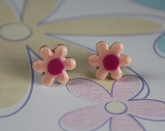 Small Light Pink Daisy Flower Post Earrings
