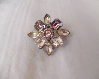 Vintage Weiss Style Rhinestone Pin