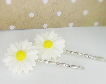 Kids Hairpins • meadow flowers • white / hair clips / kids jewelry / girls jewelry / gift for girls / kids birthday / girls birthday