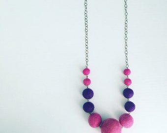 Berwyn Felt Necklace in Purple / Grape, Felt Ball Graduated Necklace, Color Block, Pom Pom Necklace, Long Layering Necklace, Gift for Mom