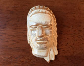 """Vintage FRANKOMA Pottery Indian Head Desert Gold Wall Plaque Face Mask Native American Mid-Century 3.75"""" Long Excellent Condition"""