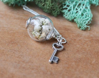 Glass Orb Necklace, Terrarium Jewelry, Spring Jewelry, Valentines Day Gift, Terrarium Necklace, Babies Breath Necklace, Real Flower Necklace