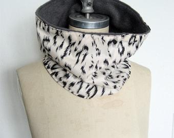 Cowl Scarf, Neck warmer, Cream and Black Leopard print, Ski Scarf, Animal Print